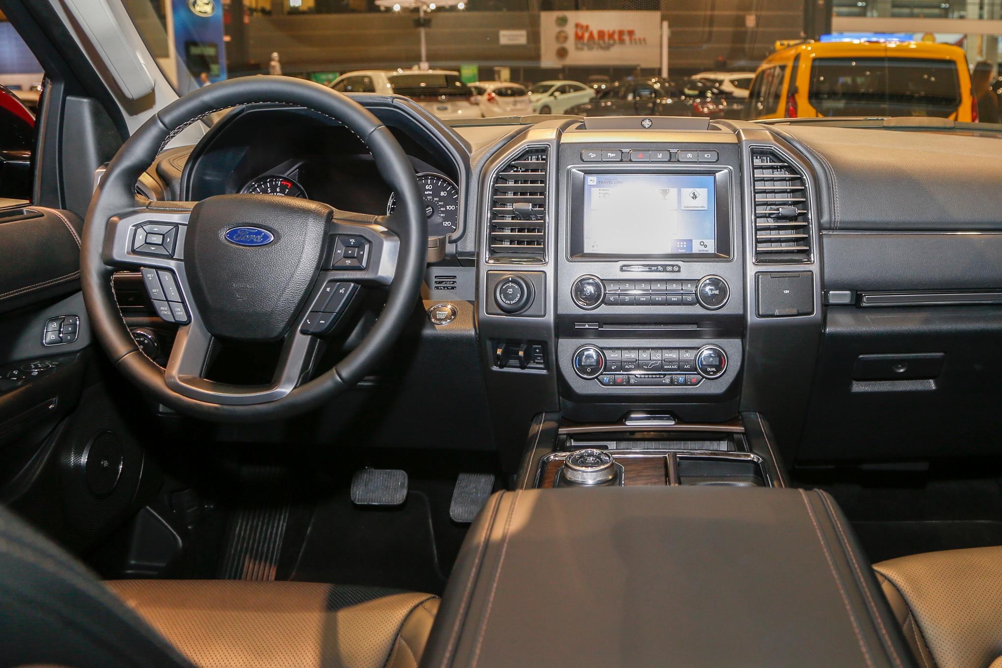 2018 Ford Expedition Platinum Interior 02 9 Febrero 2017 Carol Ngo