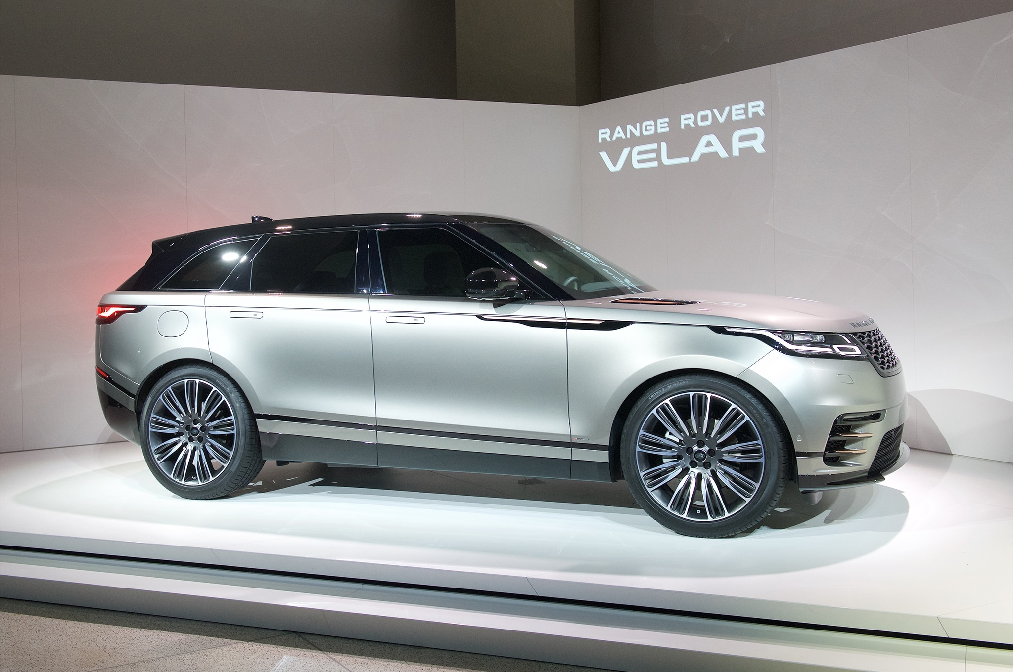 2018 Land Rover Range Rover Velar front side