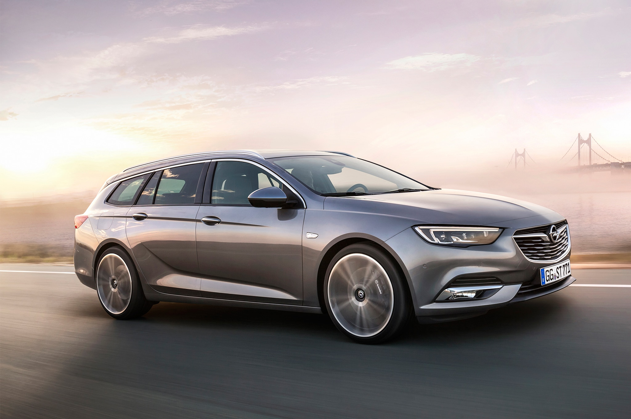 Opel Insignia Sports Tourer Front Three Quarter In Motion