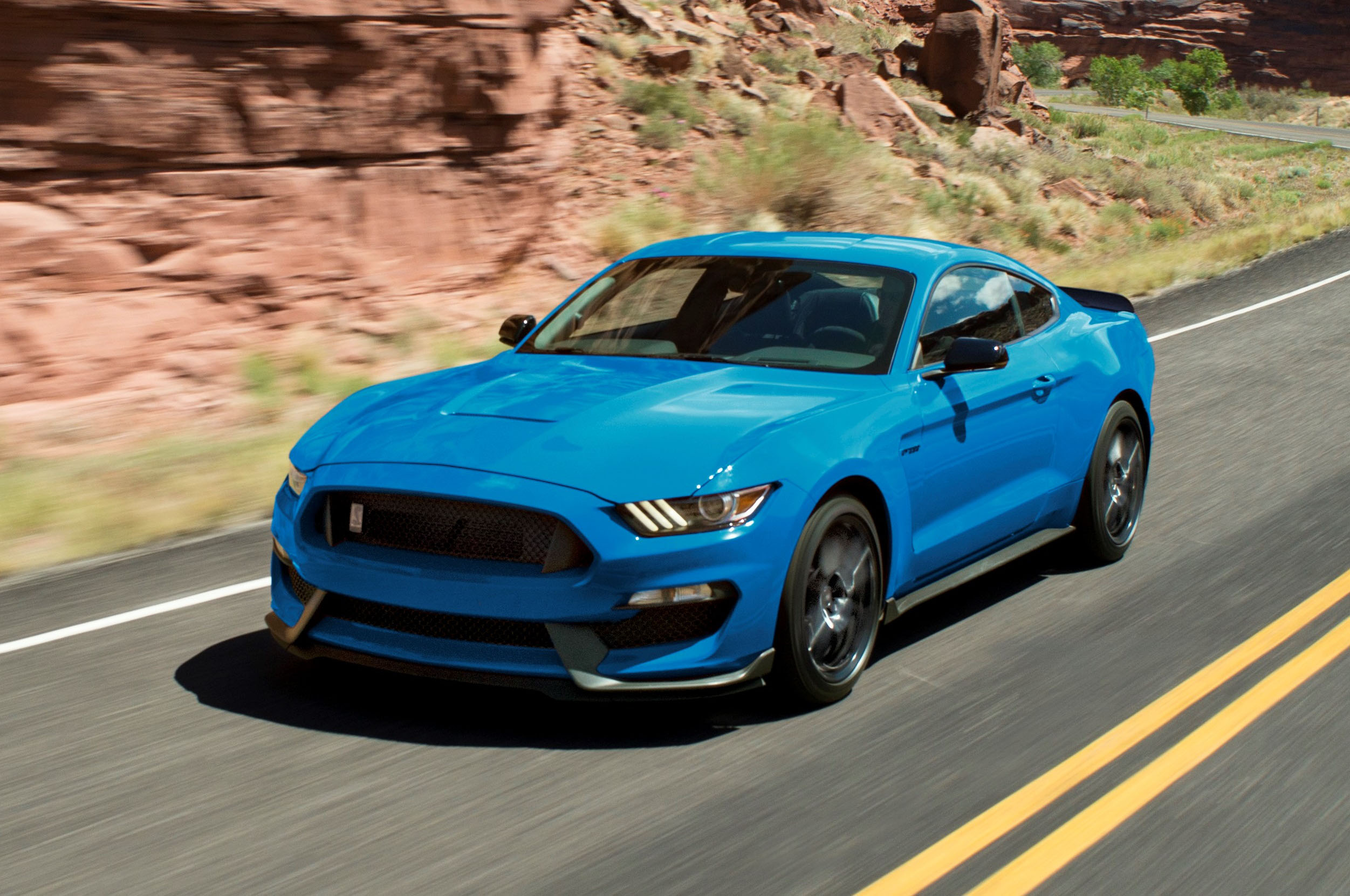 Ford Shelby Gt350r Interior >> Ford Shelby GT350 Mustang continúa para el año modelo 2018 ...