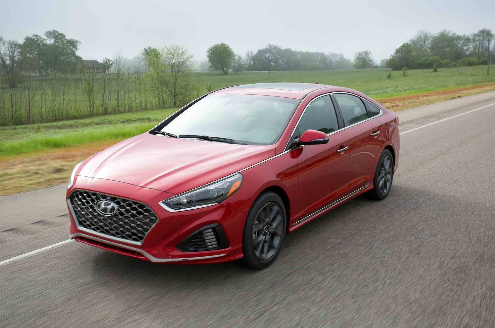 2018 Hyundai Sonata 20T Front Three Quarter In Motion 02