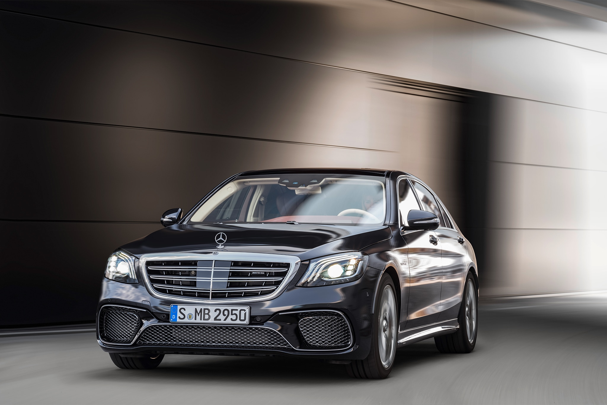 2018 Mercedes AMG S65 front three quarter in motion 03