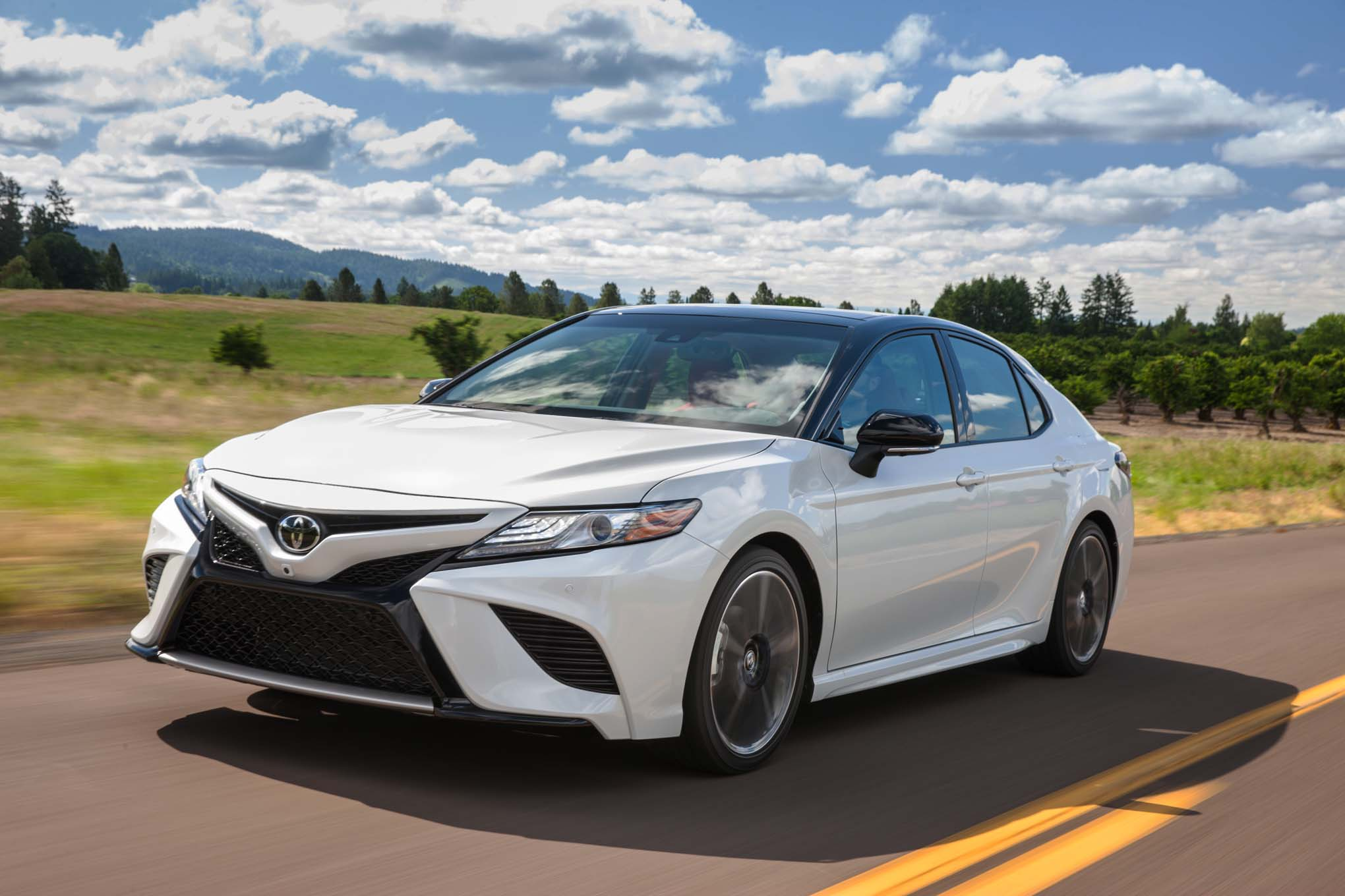 2018 Toyota Camry XSE Front Three Quarter In Motion 04