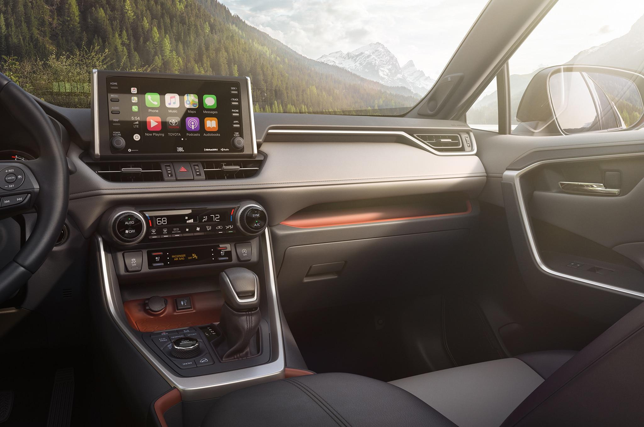2019 Toyota Rav4 Front Interior 01 Motor Trend En Espa 241 Ol
