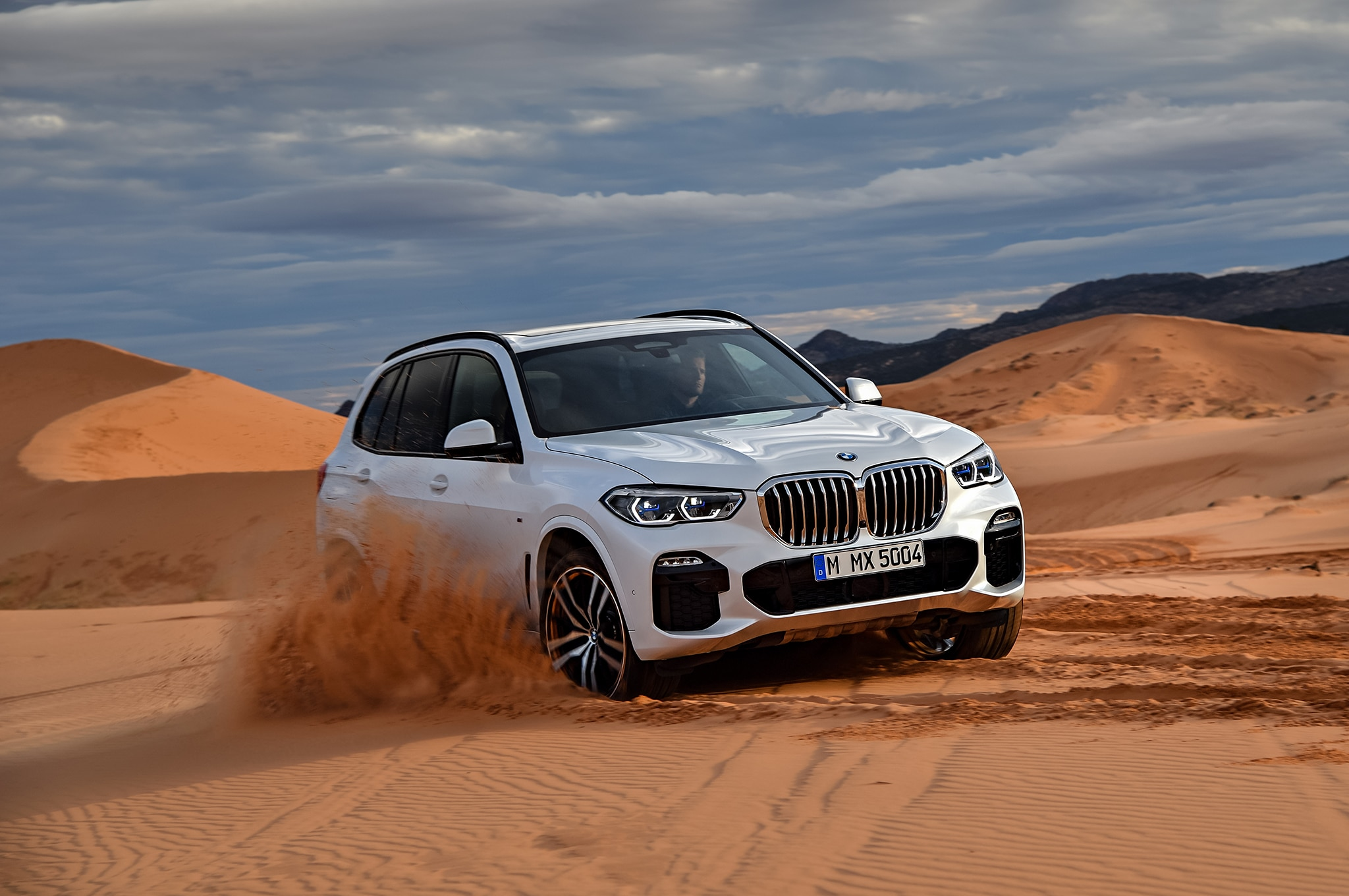 2019 BMW X5 Front Three Quarter In Motion 05