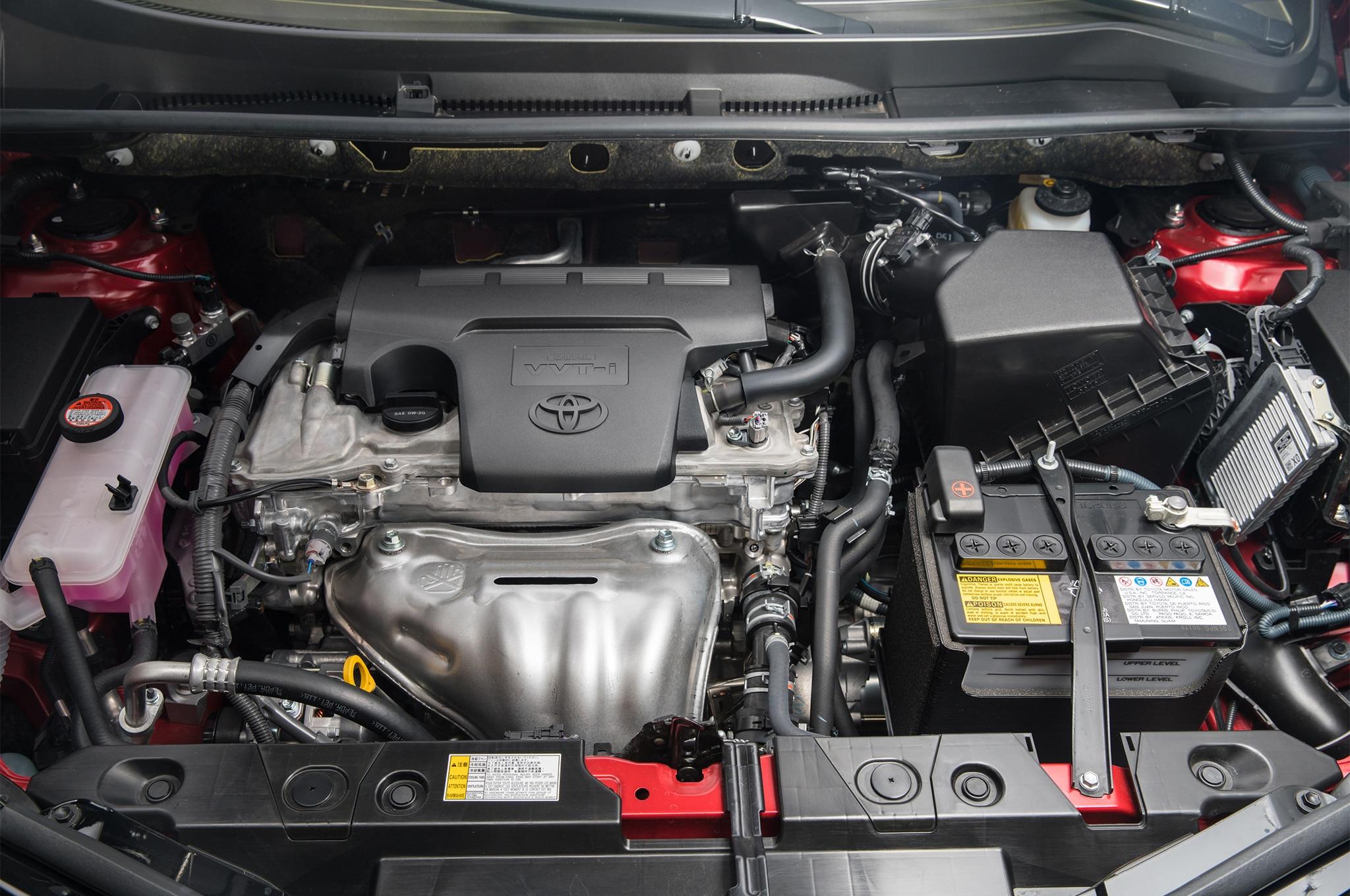 2017 Toyota Rav4 Limited Engine 01 14 Agosto Miguel Cortina
