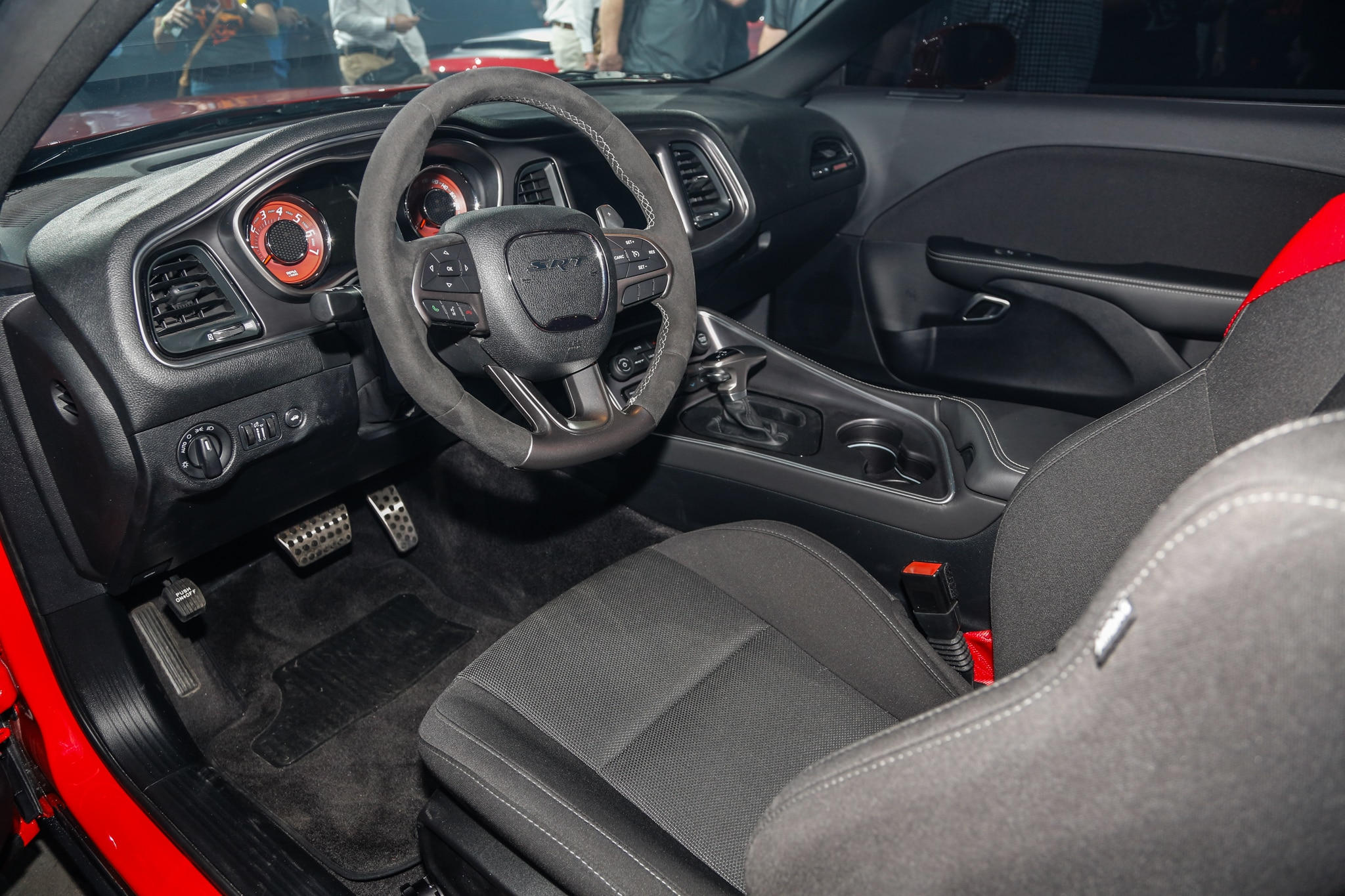 2018 Dodge Challenger Srt Demon Interior View 1 Motor Trend En Espanol