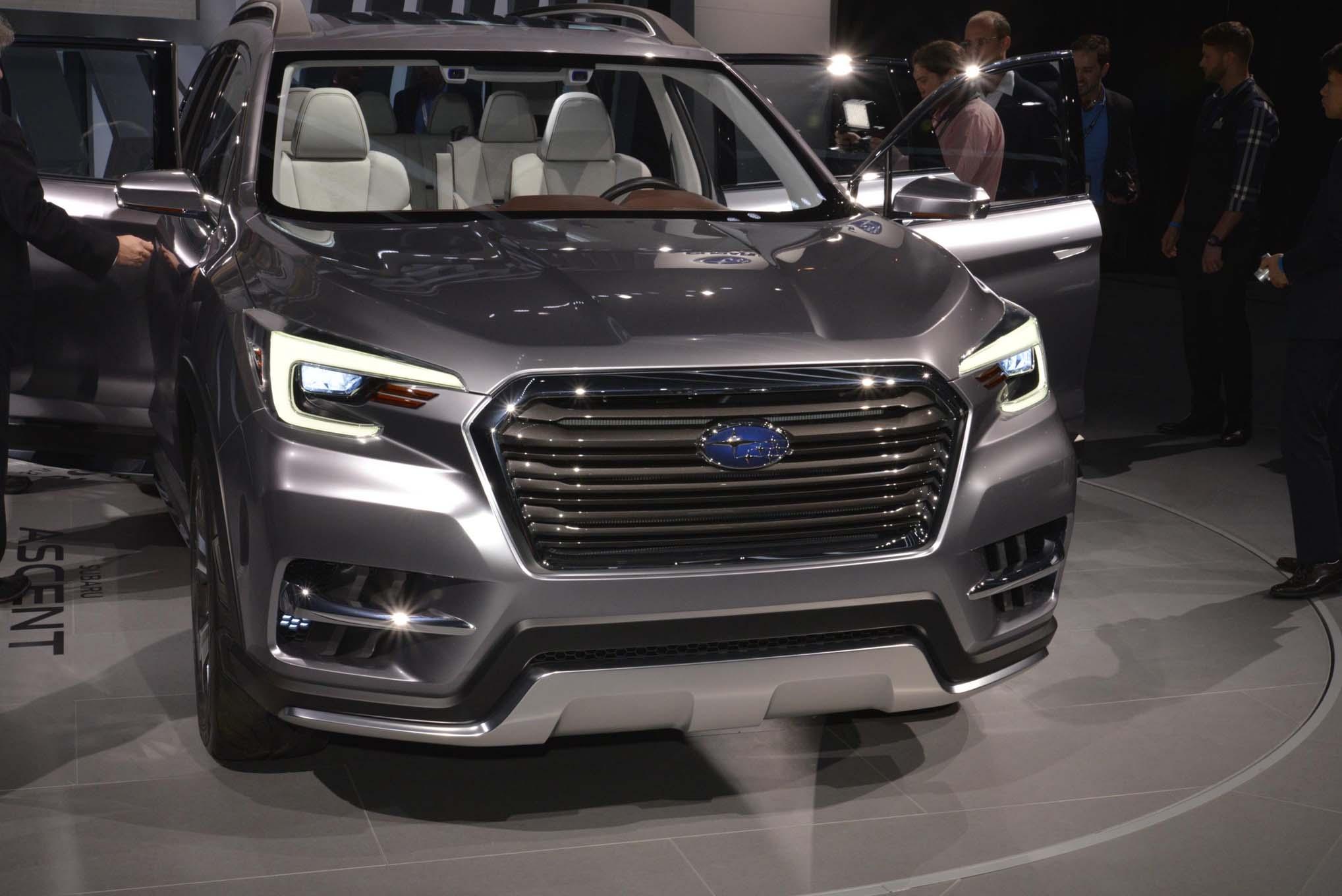 2019 Subaru Ascent front end - Motor Trend en Español