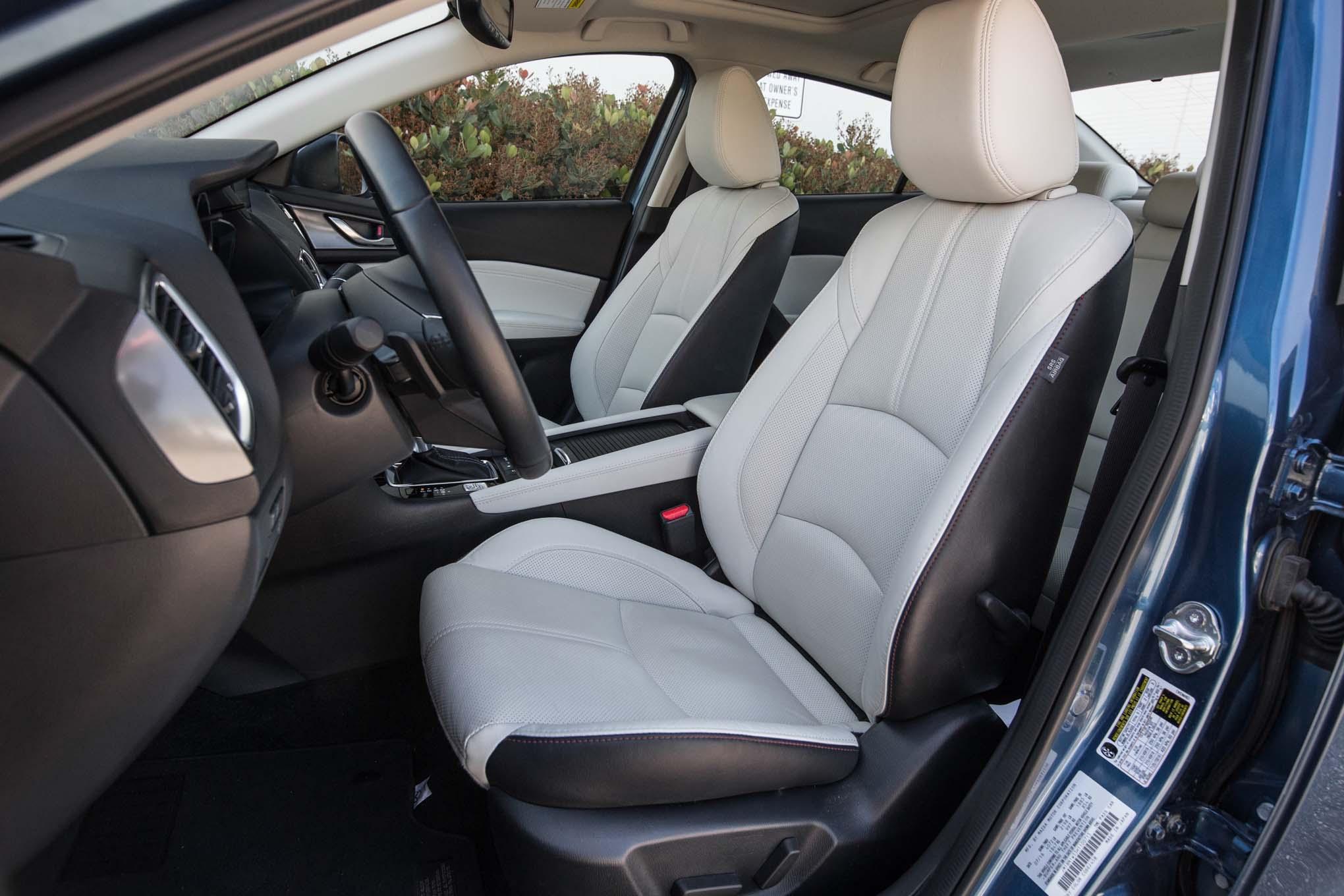 2017 Mazda3 S Gt Front Interior Seats 25 Julio Miguel Cortina