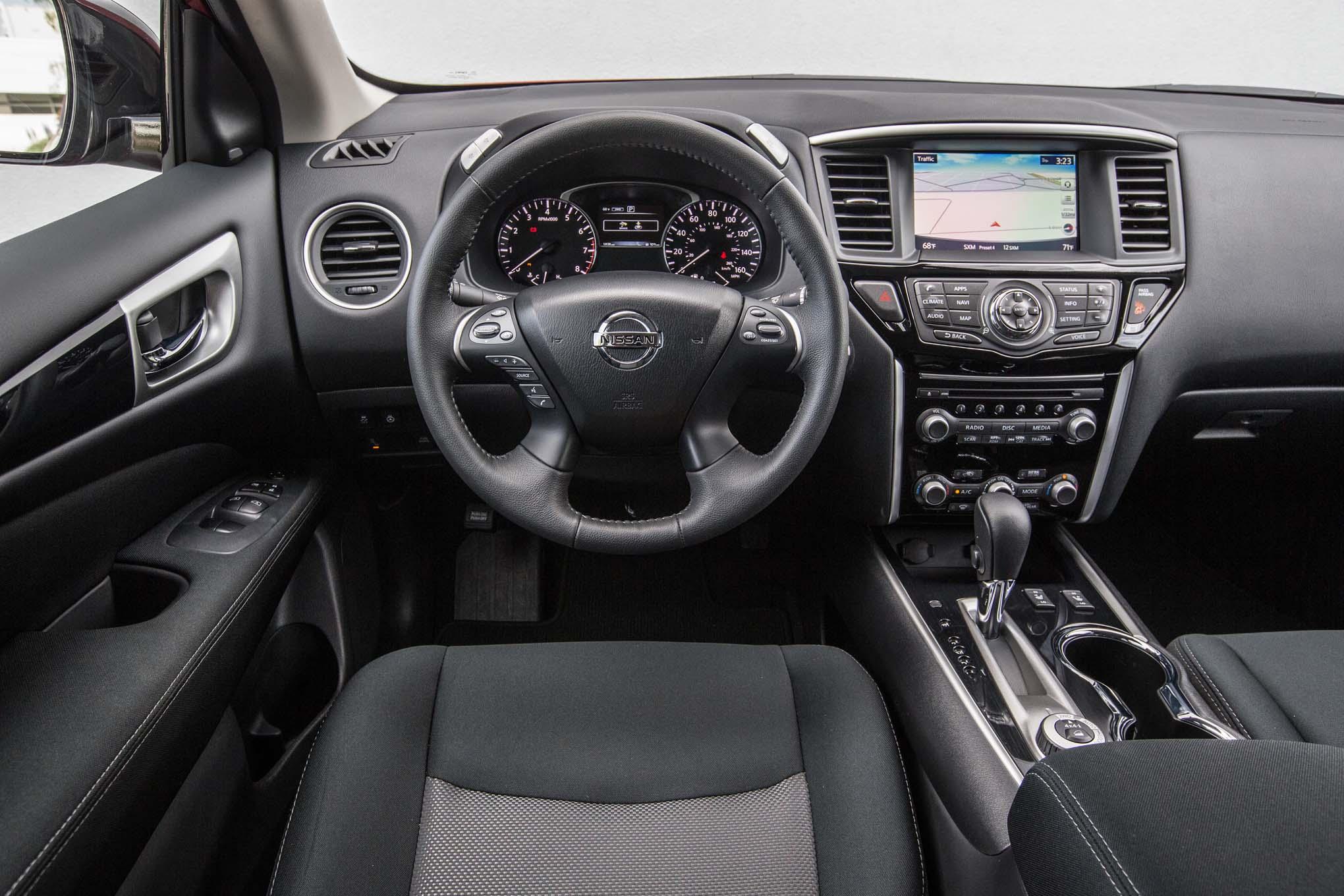 Nissan Pathfinder Sv 2017 Primera Prueba Motor Trend En