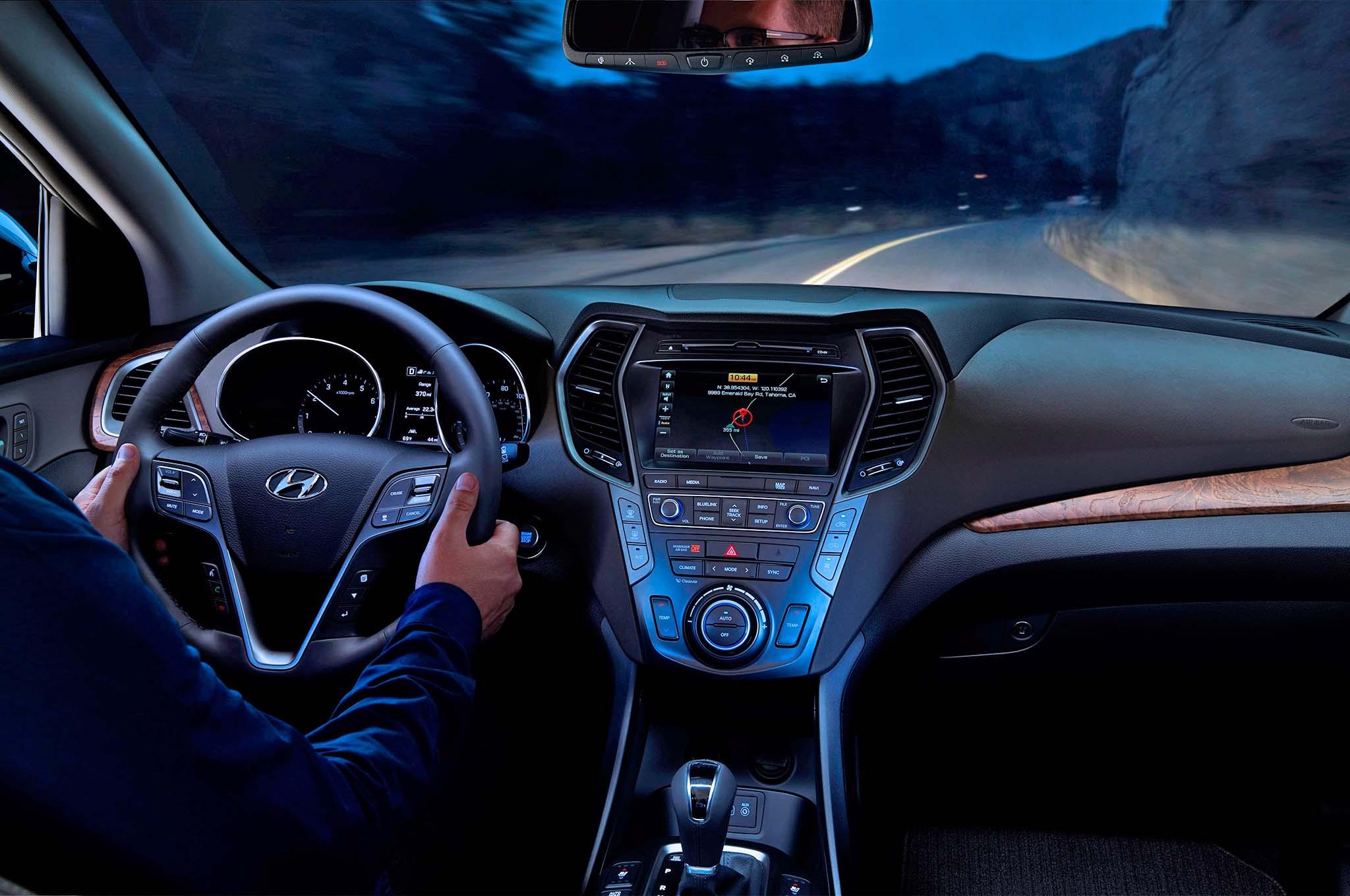 2018 Hyundai Santa Fe interior view night - Motor Trend en ...