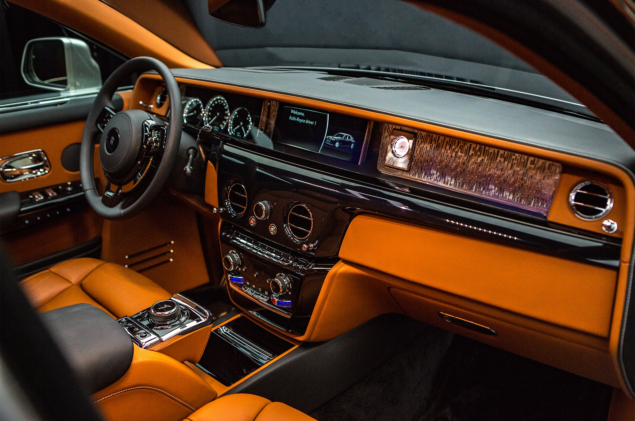 2018 Rolls Royce Phantom interior - Motor Trend en Español