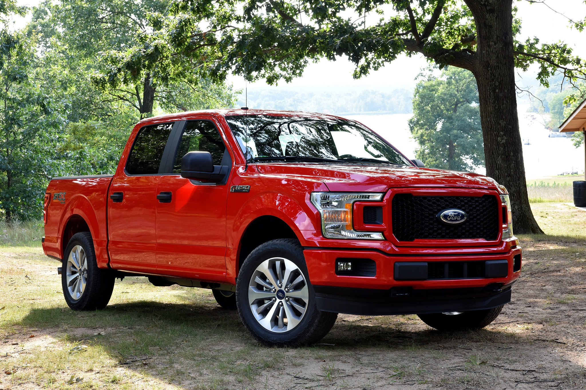 2018 Ford F 150 front three quarter in motion 03 - Motor ...