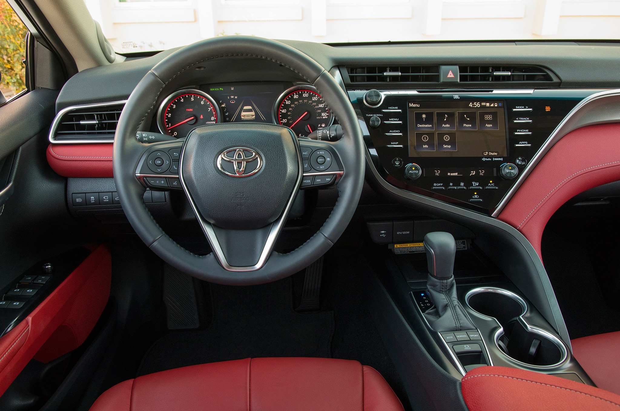2018 Toyota Camry Xse Front Interior Drivers Side 01