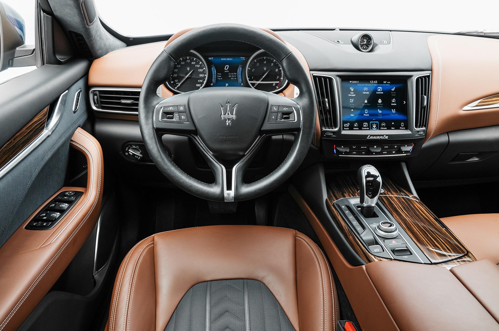 2017 Maserati Levante Q4 Front Interior 13 Noviembre Miguel Cortina