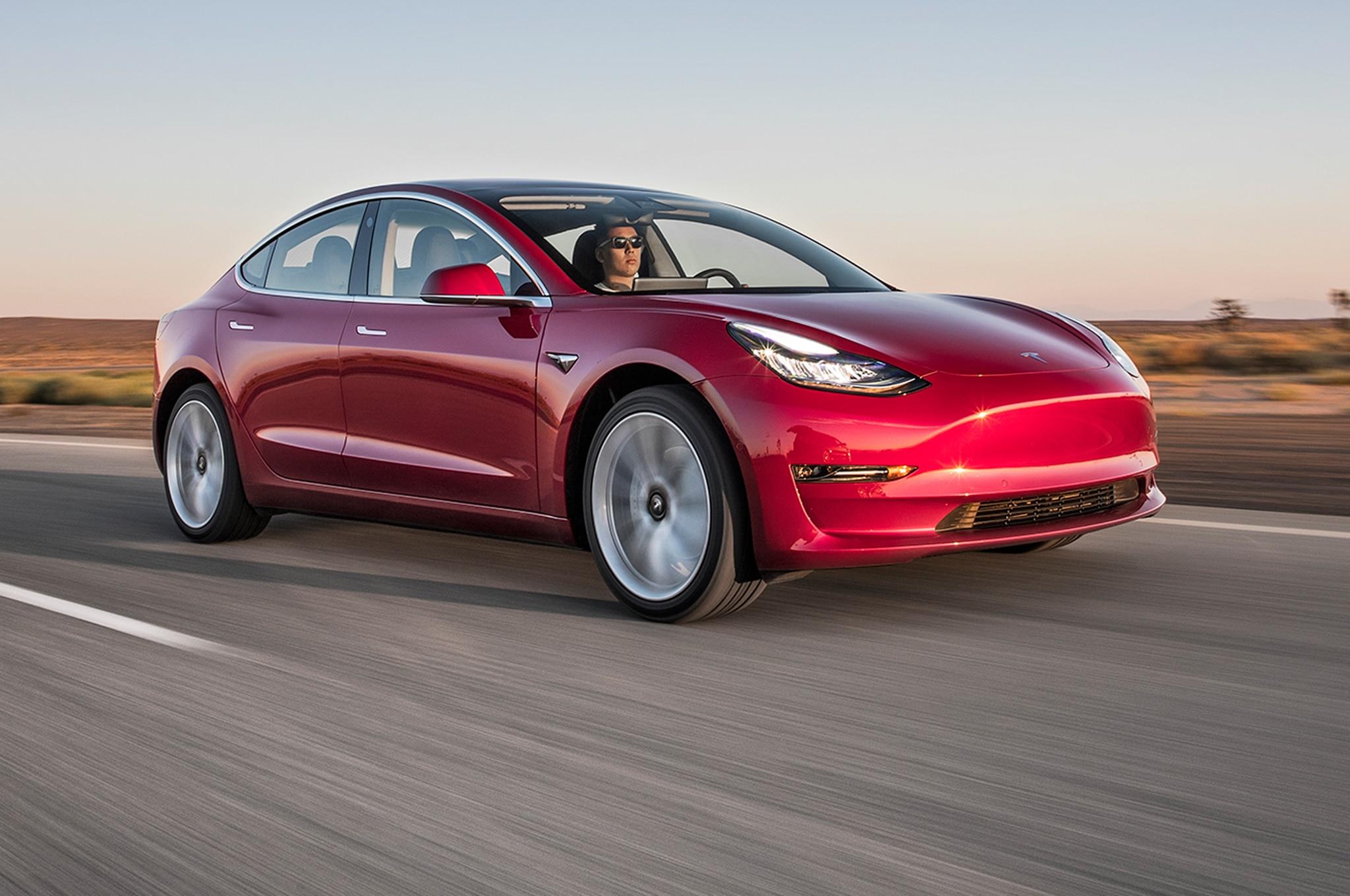 Tesla Model 3: Finalista al Auto del Año de Motor Trend ...