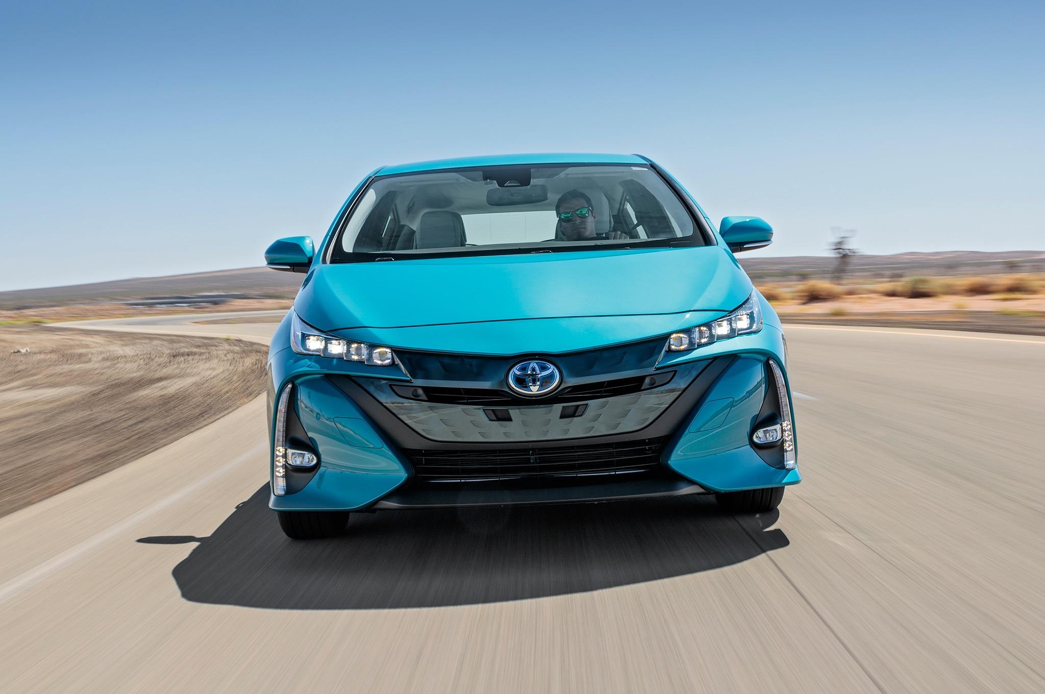 toyota prius prime contendiente al auto del a o de motor trend 2018 motor trend en espa ol. Black Bedroom Furniture Sets. Home Design Ideas
