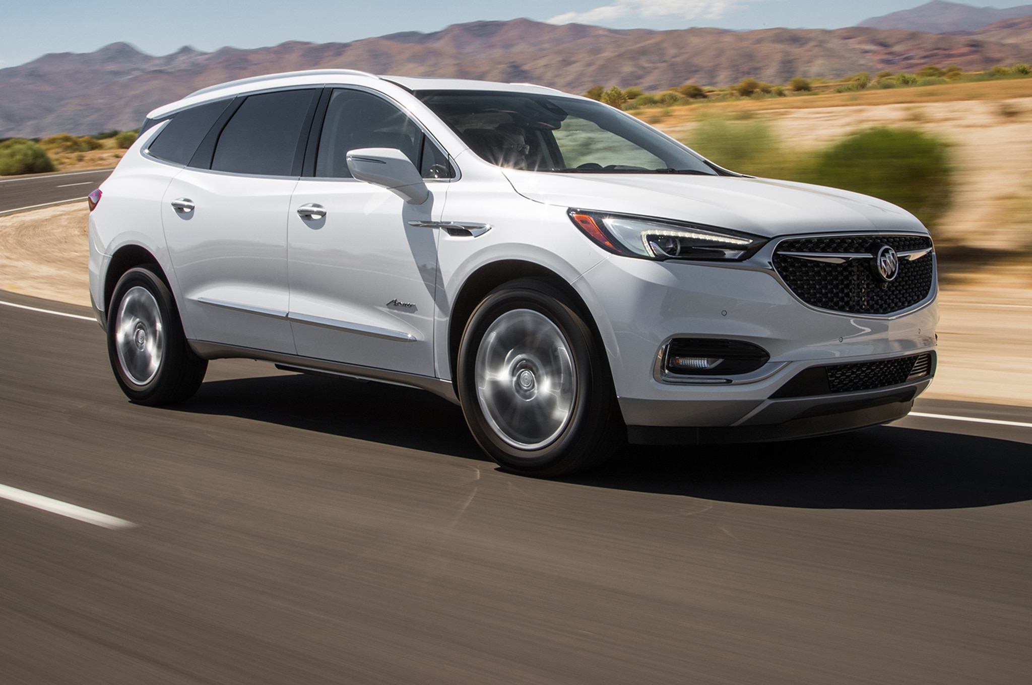 2018 Buick Enclave Avenir Front Three Quarter In Motion 00