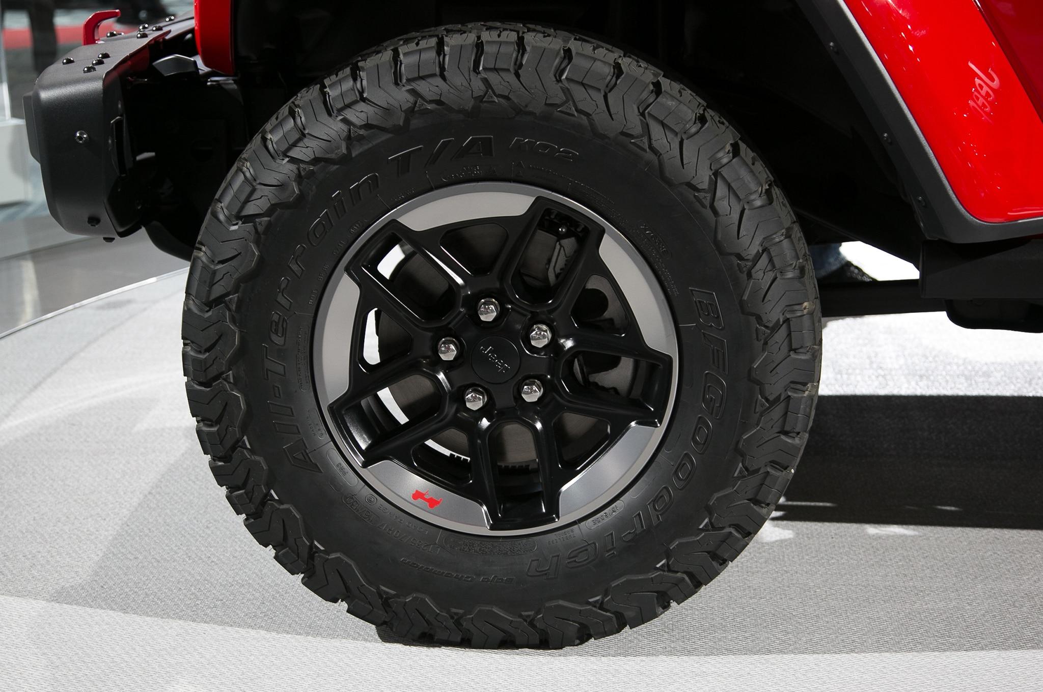 2018 Jeep Wrangler tire - Motor Trend en Español