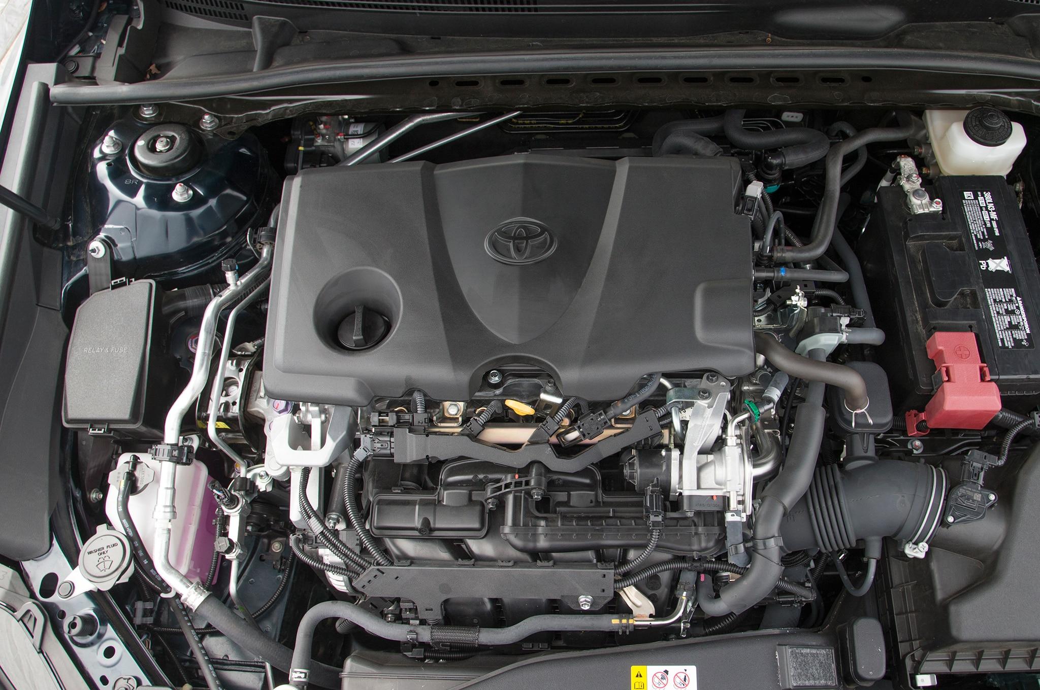 Honda Cr V Se >> Toyota Camry: Contendiente a Auto del Año de Motor Trend ...