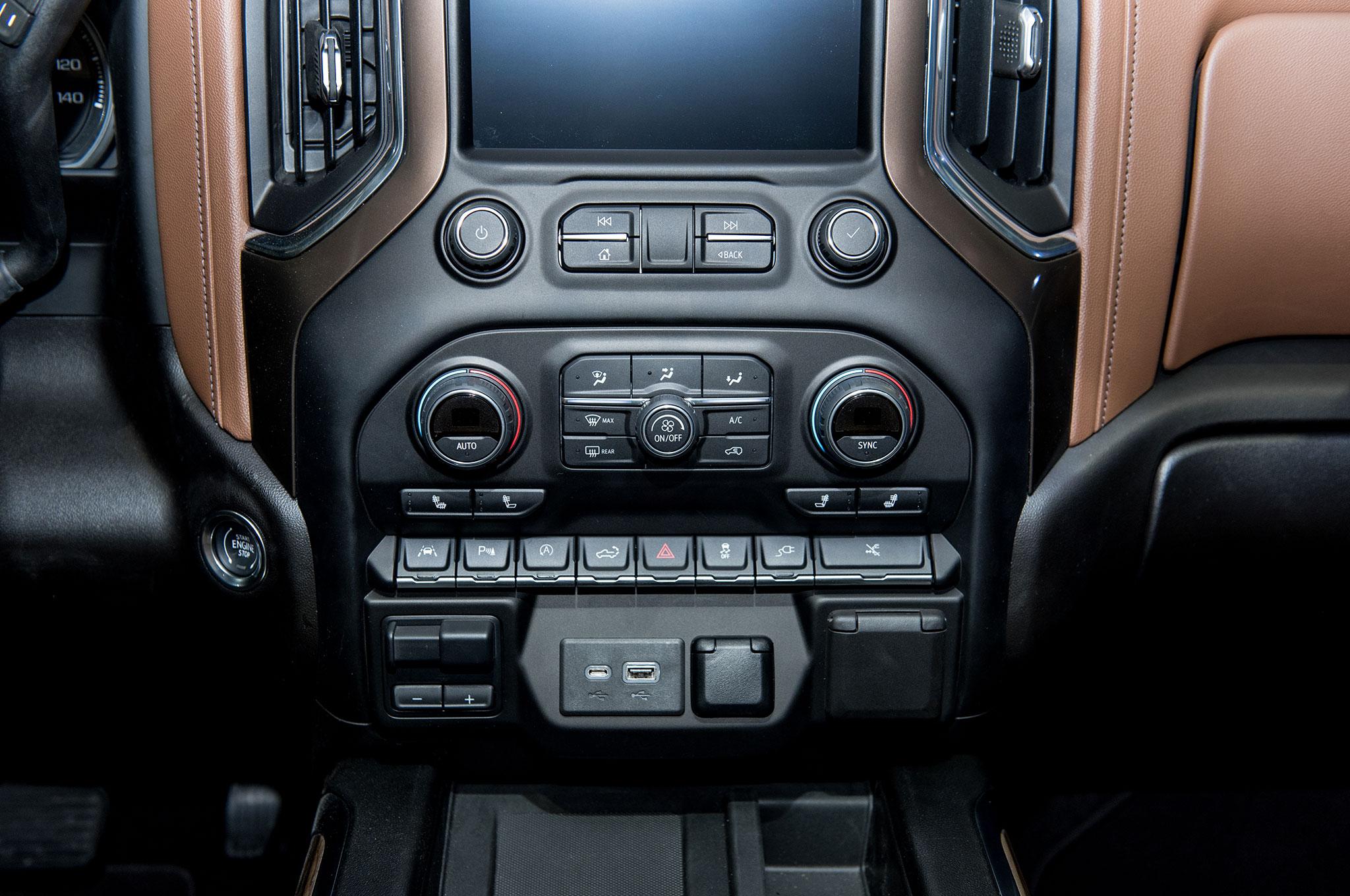 2019 Chevrolet Silverado 1500 High Country Interior Center Stack Motor Trend En Espa Ol