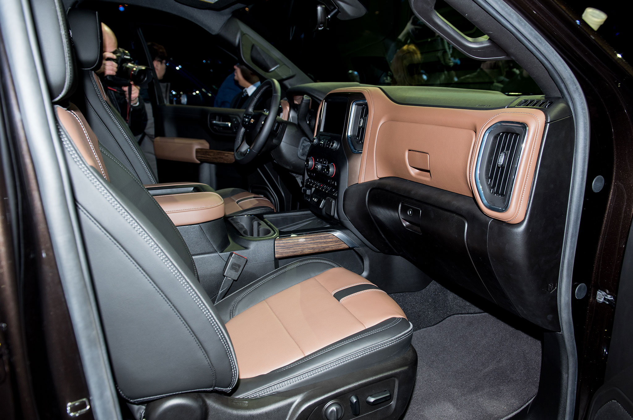 2019 Chevrolet Silverado 1500 High Country interior seat ...