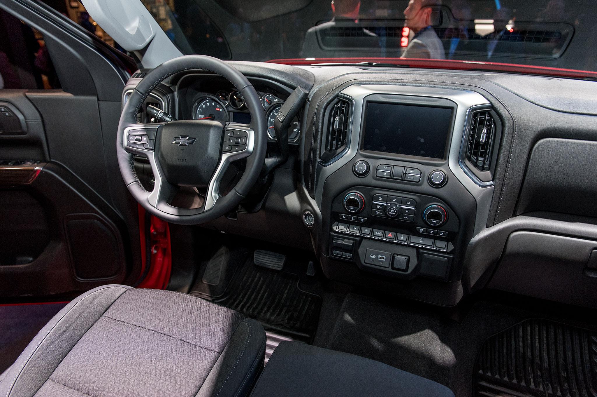 ¿Cómo se comparan la Ram 1500, Chevrolet Silverado y Ford ...