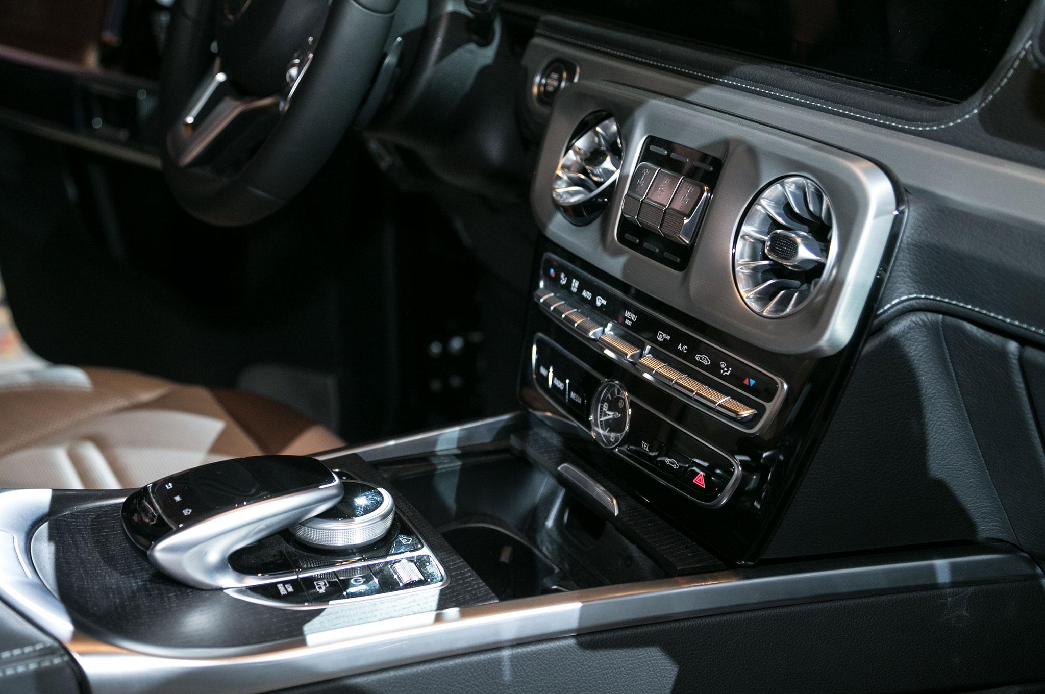 2019 Mercedes Benz G Class Interior Center Stack Motor Trend En