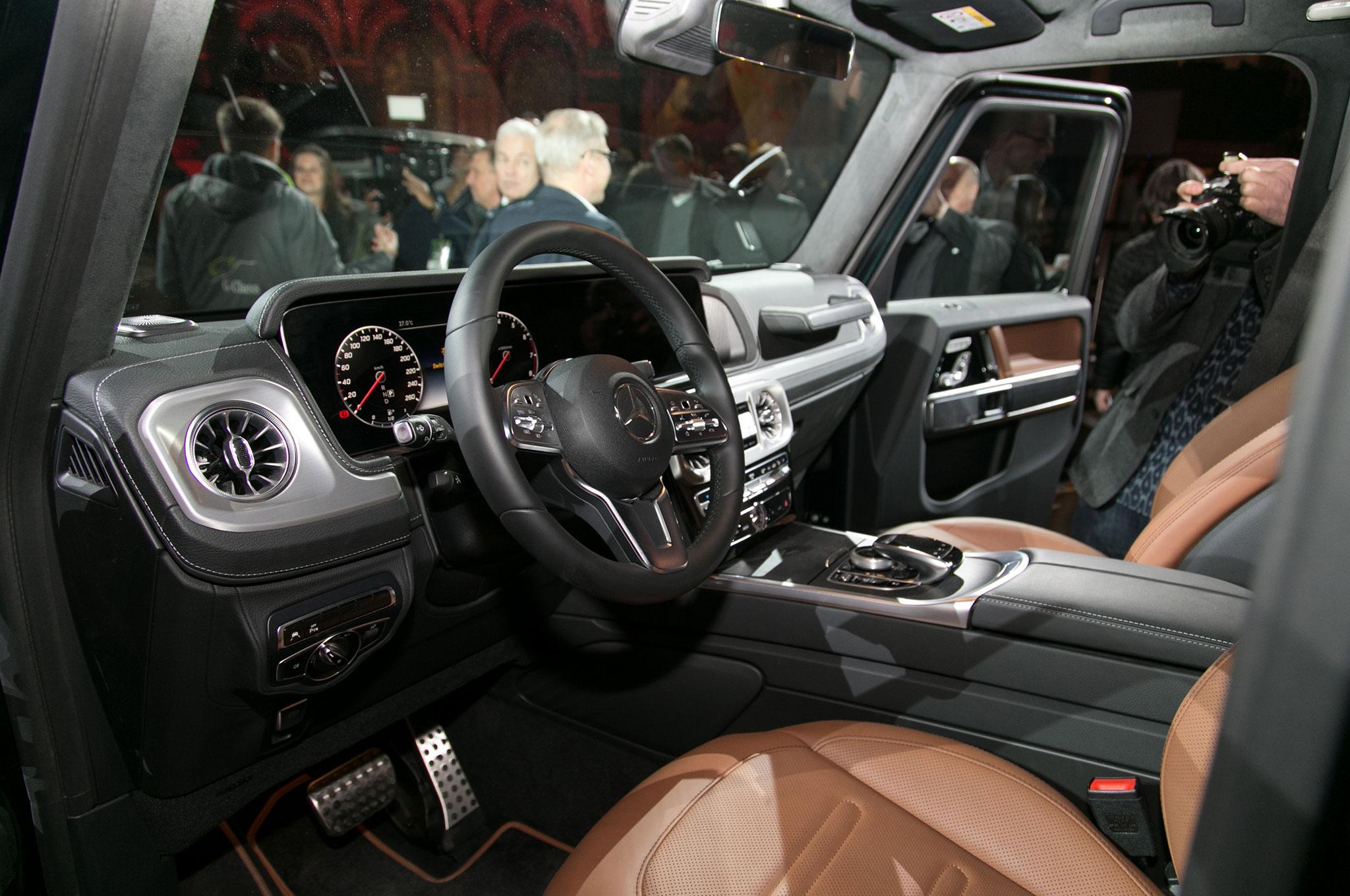 2019 Mercedes Benz G Class interior from door - Motor ...