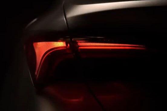 2019 Toyota Avalon Taillight Teaser