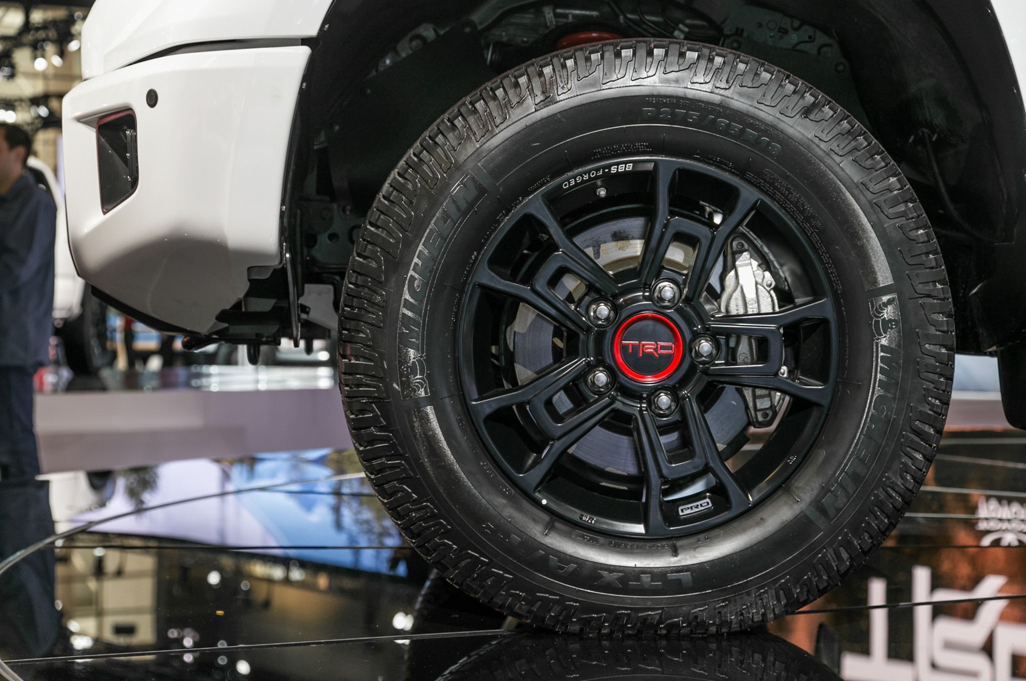 2019 Toyota Tundra Trd Pro Front Wheel Motor Trend En