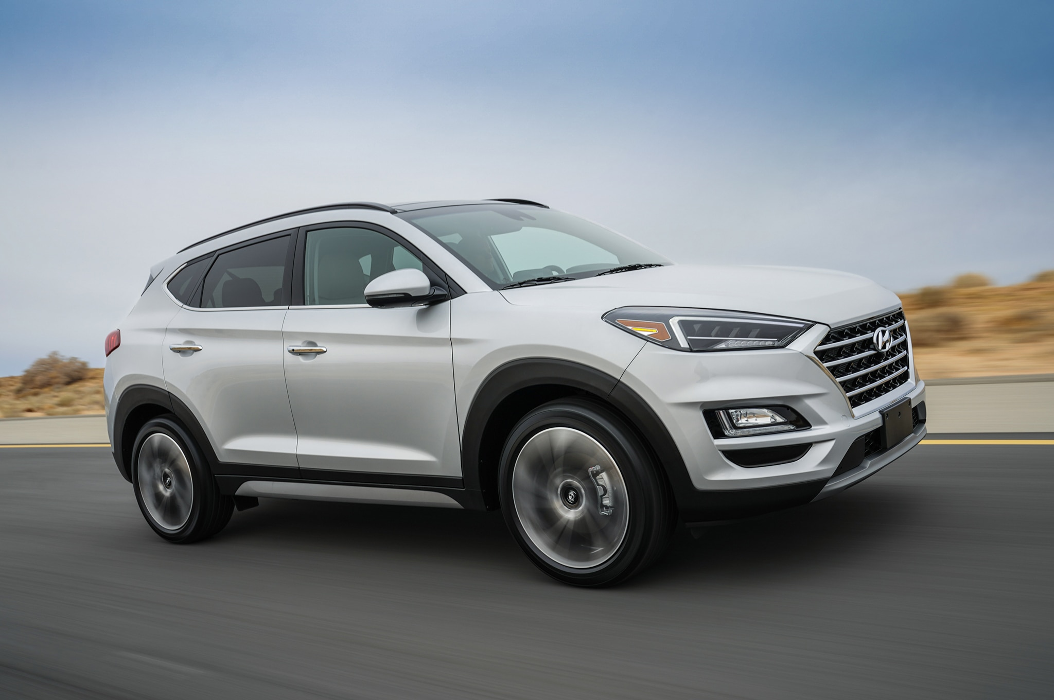 2019 Hyundai Tucson Front Three Quarter In Motion 17