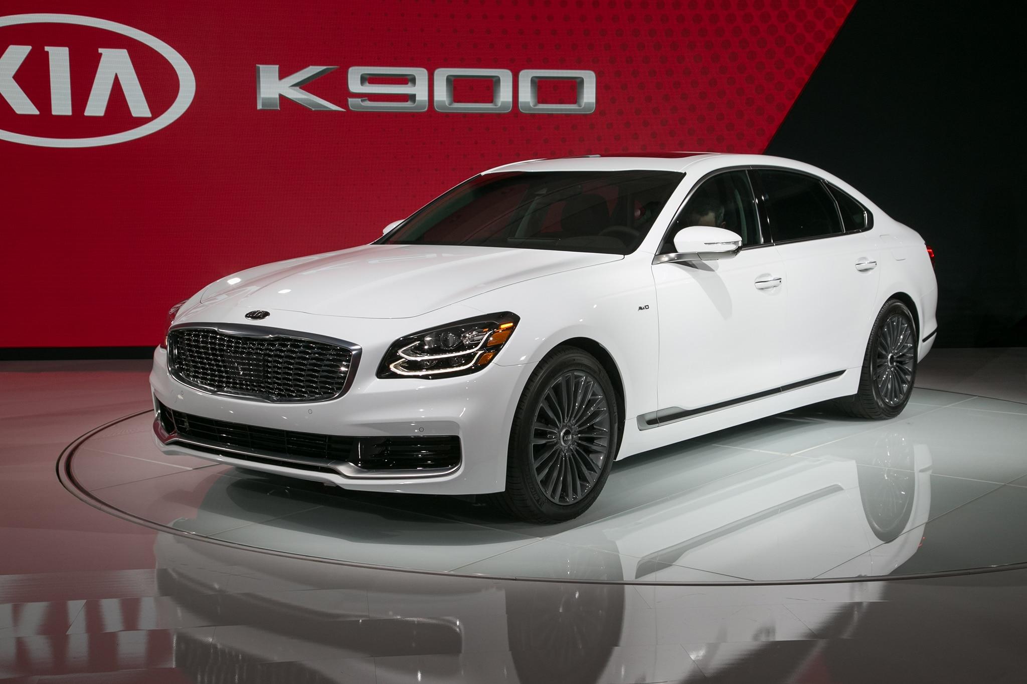 2019 Kia K900 03