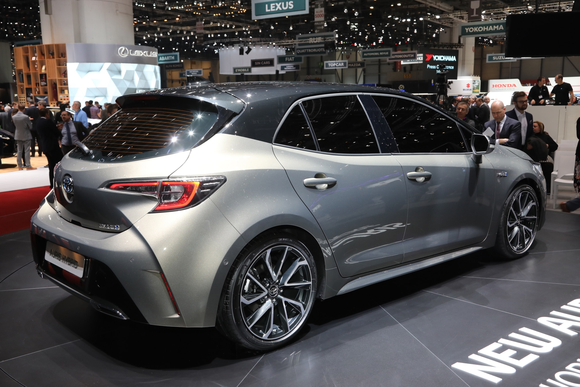 Toyota Auris se presenta en Europa, ¿será el nuevo Corolla ...