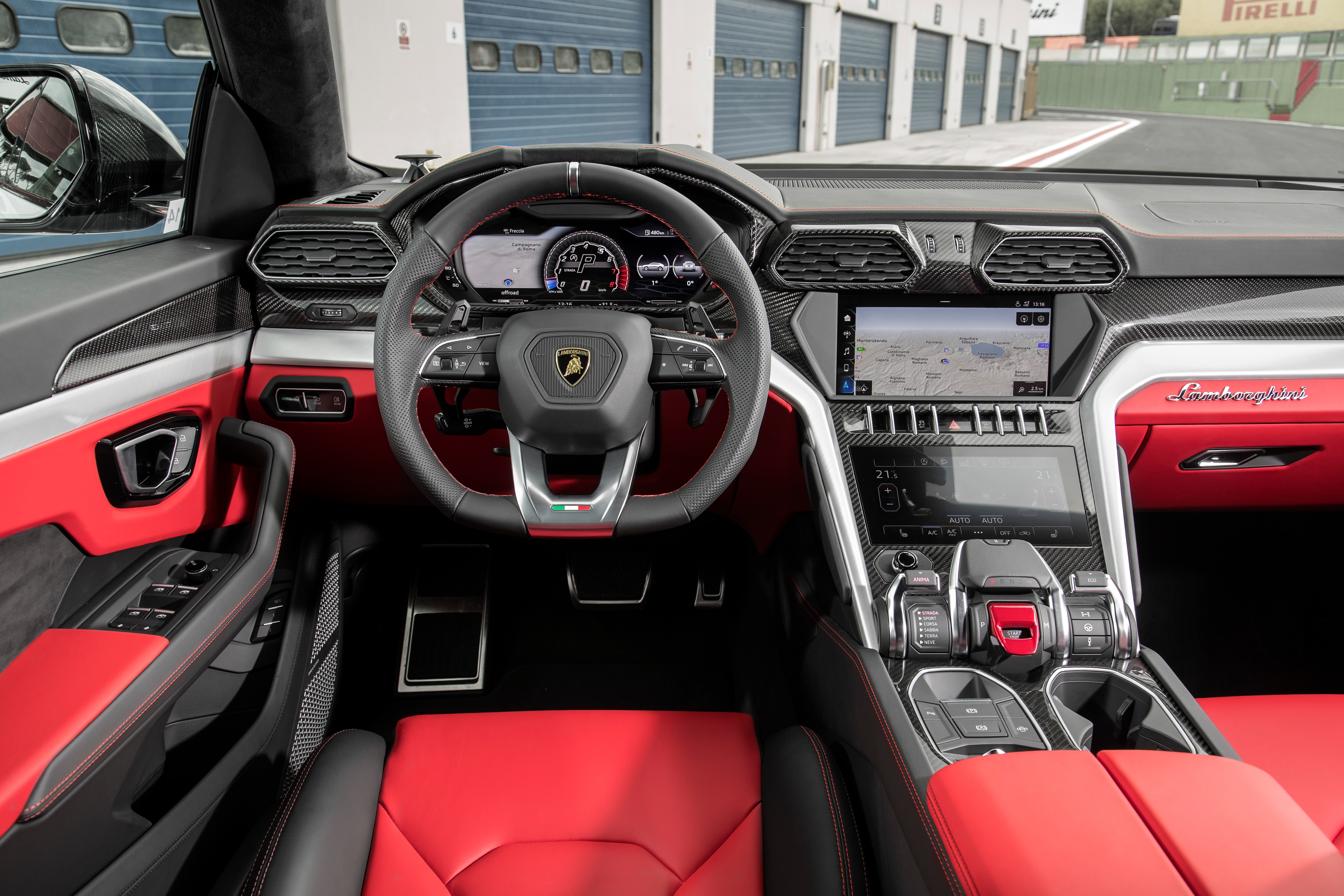 2019 Lamborghini Urus Bianco Icarus Interior 4 Motor Trend En Espanol