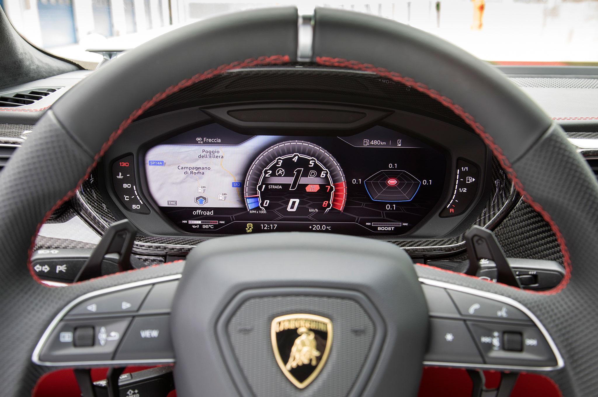 2019 Lamborghini Urus Bianco Icarus Interior 9 Motor Trend En Espanol