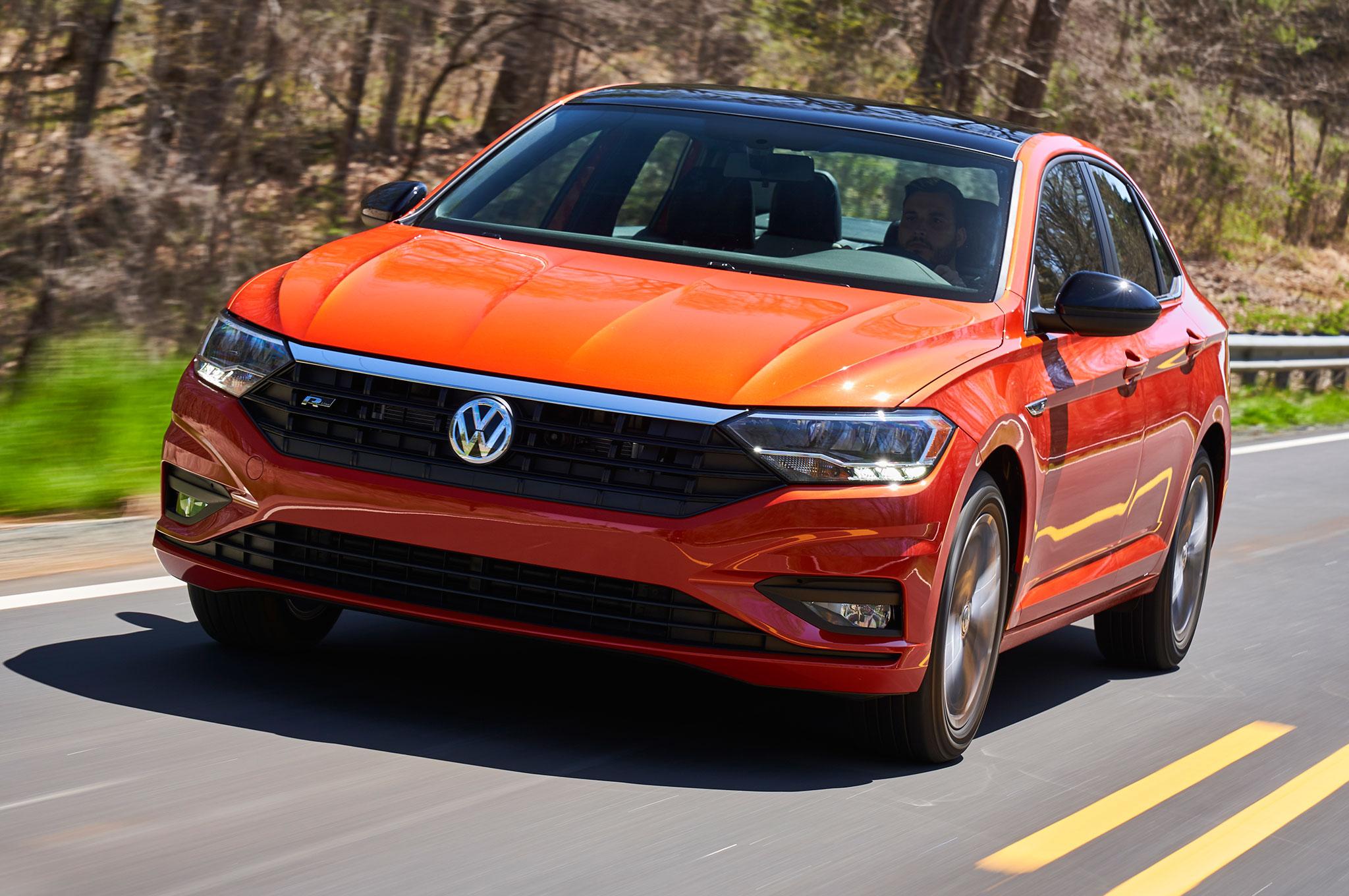 2019 Volkswagen Jetta Front Motion View
