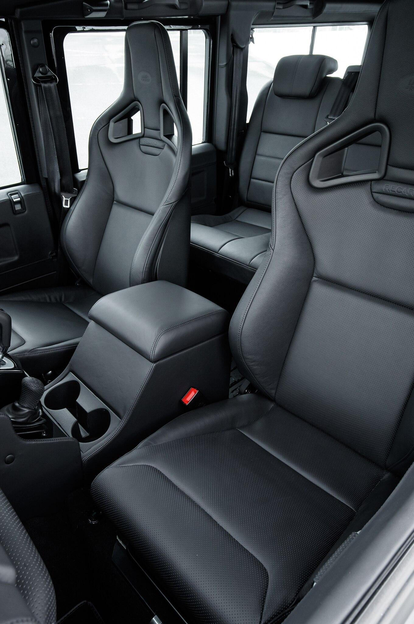 Land Rover Defender 110 Works V8 Interior Seats Motor Trend En Espanol