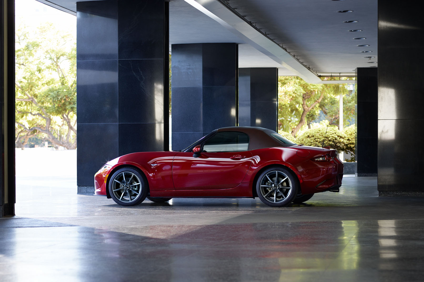 2019 Mazda MX 5 Miata Side