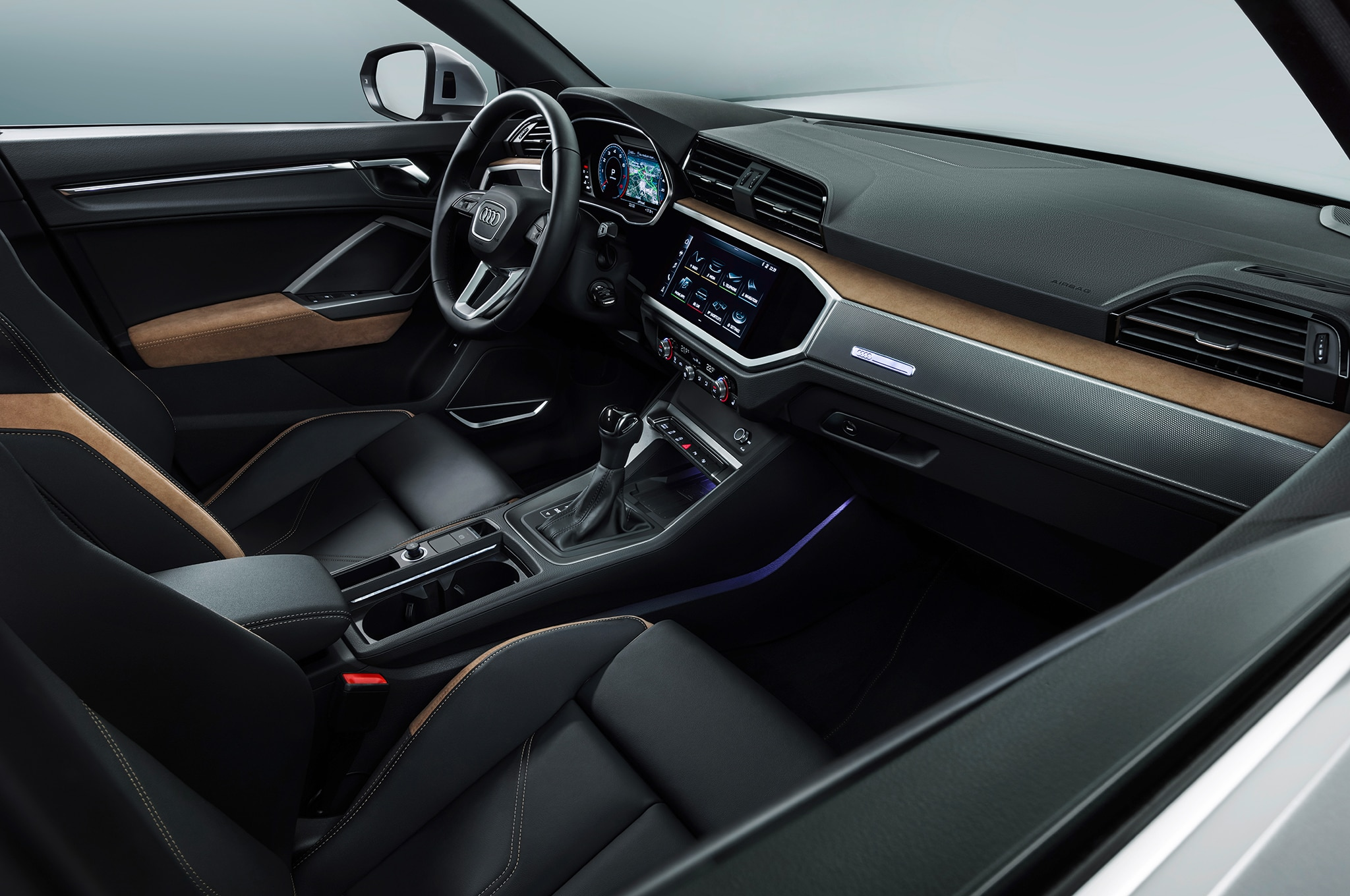 2019 audi q3 rear interior motor trend en espa ol. Black Bedroom Furniture Sets. Home Design Ideas