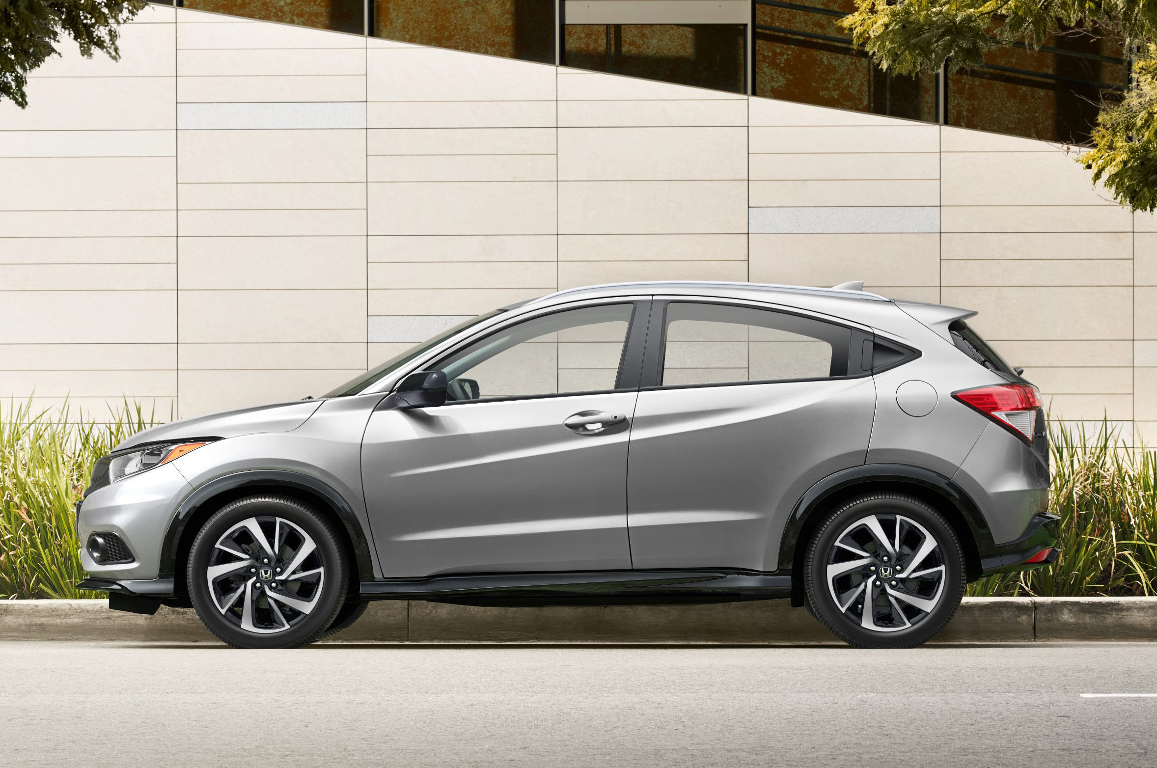 Honda HR-V 2019, disponible desde $21,515 dólares - Motor ...