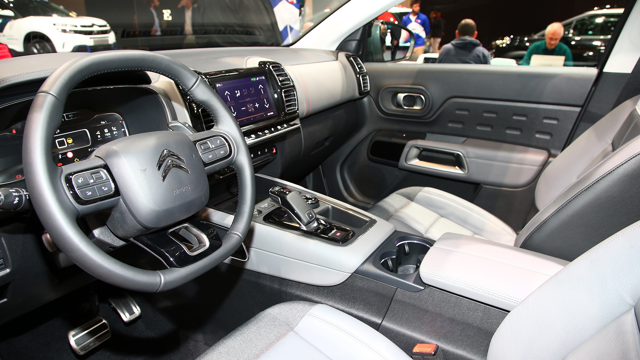 Citroen C5 Aircross Suv Phev Concept Interior Motor