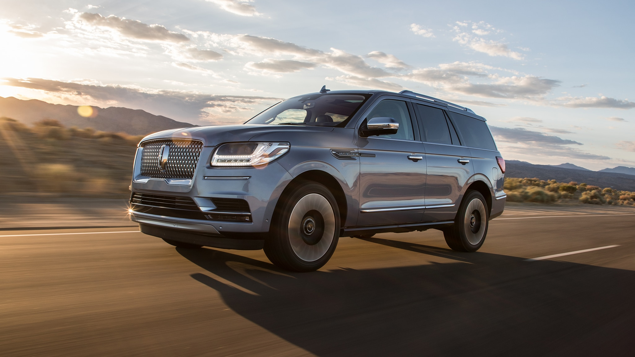 Lincoln Navigator Front Three Quarter In Motion