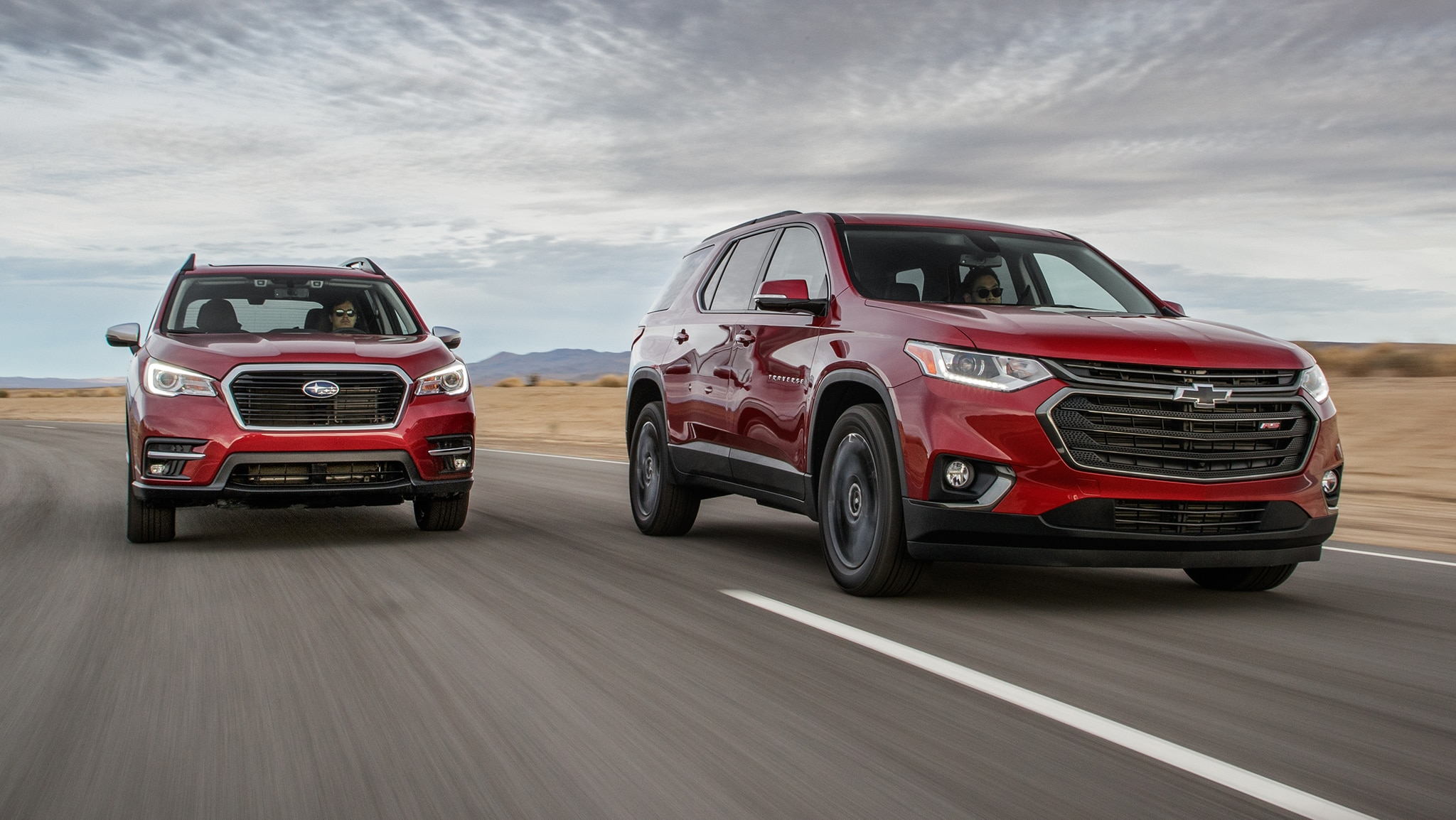 2019 Chevrolet Traverse RS 2019 Subaru Ascent Touring 1
