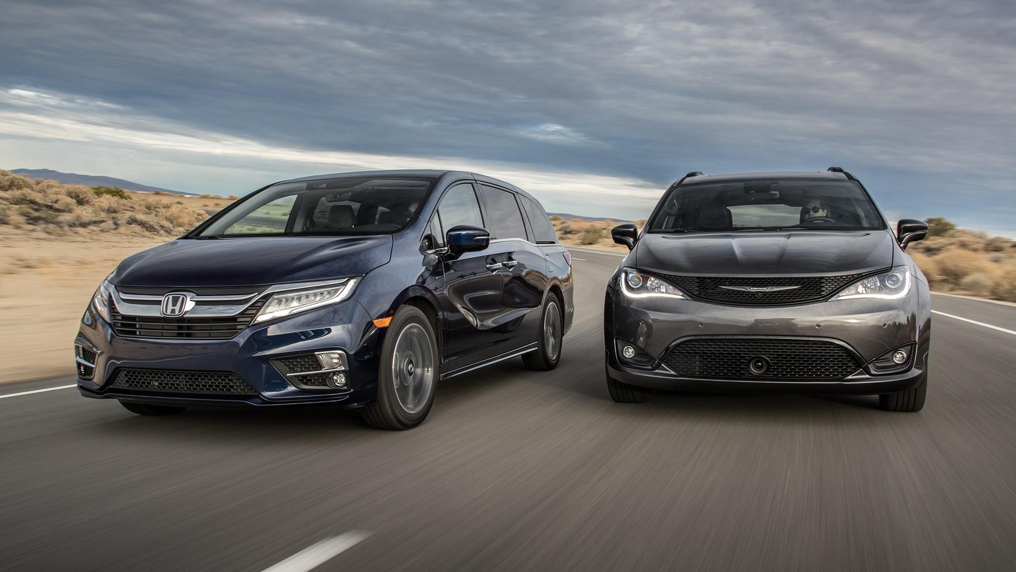 2019 Chrysler Pacifica S 2019 Honda Odyssey Elite 2019 1