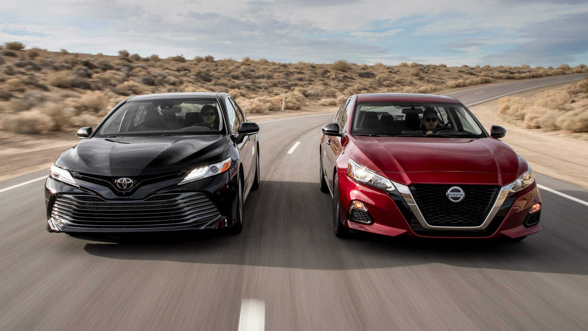 2019 Nissan Altima SR 2019 Toyota Camry XLE 3