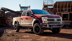 2020 Ford Super Duty Tremor Winch 2